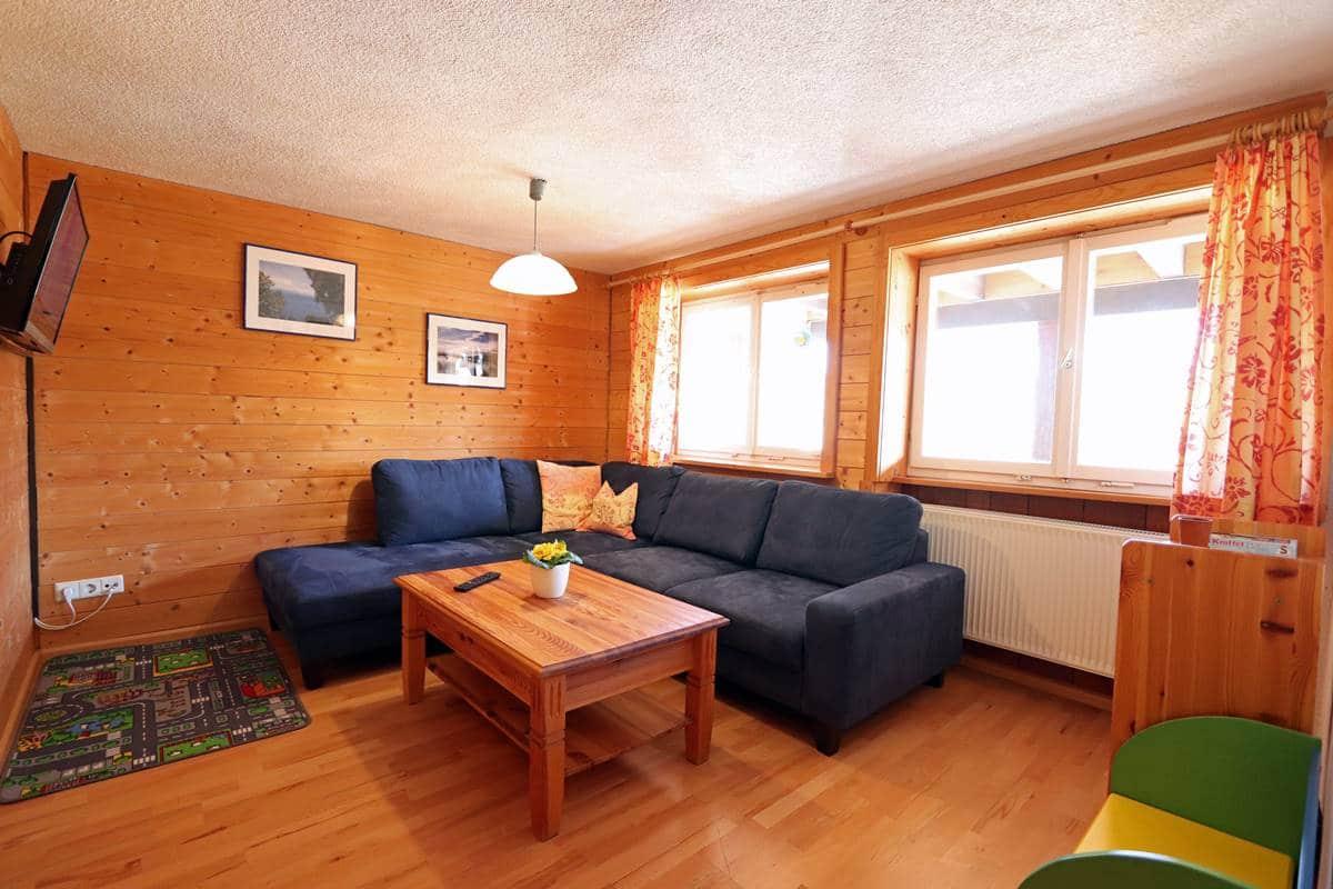 Wohnzimmer mit viel Platz für die Kinder