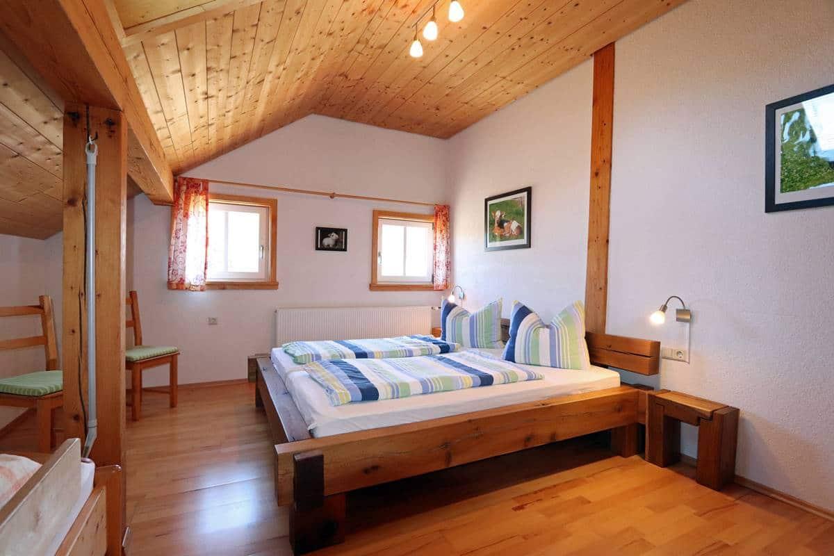 Dreibettzimmer der Ferienwohnung Schneeflocke